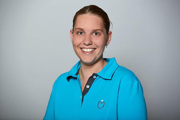 Sarah Buseck - Mitarbeiterin im Team von Dr. Richter - Zahnarzt Hamburg
