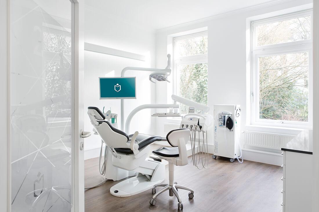 zahnarzt-hamburg-eimsbuettel-richter-behandlungszimmer